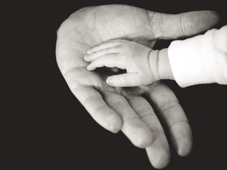 Τα οφέλη της άδειας πατρότητας στην ανάπτυξη των παιδιών και την οικογένεια